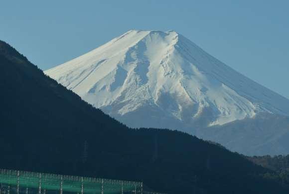 S__01DSC_5154中央道からの富士山up.JPG